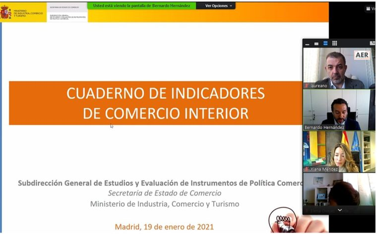 Laureano Turienzo Presidente AER con Xiana Méndez, Secretaría de Estado de Comercio , Ministerio de Industria Comercio y Turismo.